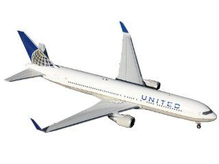 Gemini Jets United B767 300W Post Merger Livery Diecast Vehicle, 1400 Scale Toys & Games