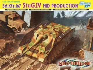 Dragon Models Sd.Kfz.167 StuG.IV Mid Production Smart Kit, Scale 1/35 Toys & Games