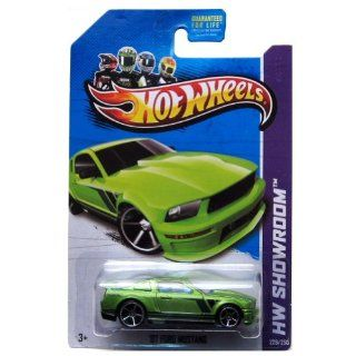 Hot Wheels 2013 Hw Showroom Then and Now '07 Ford Mustang 5 Sp 229/250 Toys & Games