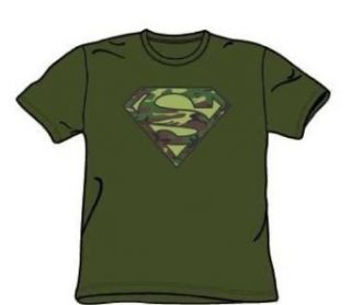Superman   Camo Logo   Military Green S/S Adult T Shirt For Men Home & Kitchen