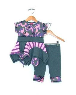 Boutique Girls BFF Doodles Set Tunics &Capri Leggings (size 2T) Clothing