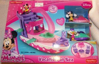 Disney Minnie Mouse Vacation at Sea Boat Playset with Minnie Daisy and 2 Jet Skiis Toys & Games