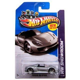 Hot Wheels 2013 175 HW Showroom Porsche 918 Spyder SILVER 164 Scale Toys & Games